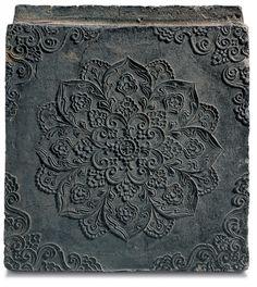 Brick with Floral Medallion Design Gyeongju National Museum Wolji, Gyeongju / Unified Silla / D. 35.0㎝