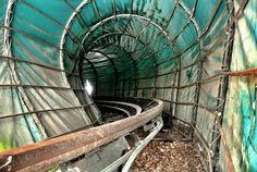 23 Haunting Photos Of An Abandoned German Amusement Park
