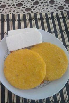 Desayuno panameño queso blanco y tortilla.