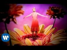 "Faith Hill - ""This Kiss"" (Official Video) - YouTube"