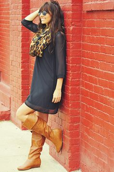 black tunic dress | leopard scarf | brown leather boots ||| perfect for fall