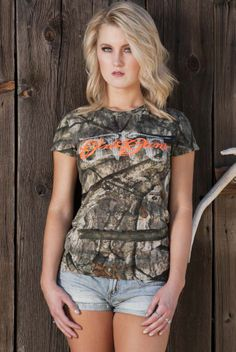 GWG Mossy Oak Treestand® Tee. Available in Orange and Pink writing. Sizes XS-2X.