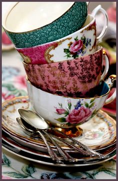 Love these cups and saucers!