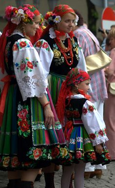 Traditional folk clothing (Łowicz, Poland)