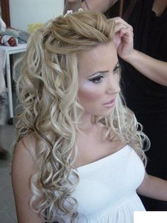 My hair will definitely be down on my wedding day. Beautiful Long Hair Styles Collection For Girls,Messy bun look. Messy bridal hair: Relaxed, slightly messy bridal hair is part boho, part whimsical and a totally romantic wedding hairstyle. hair down, bridesmaid hair, long curls, makeup, bridal hair, long hair styles for wedding, romantic weddings, wedding hairstyles, wedding day hair
