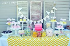 Lemonade Party Table