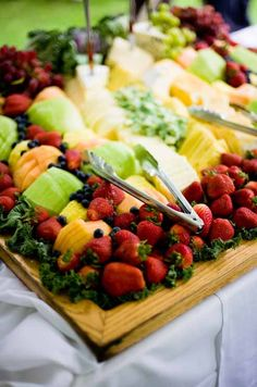 The couple wanted a touch of Northern Michigan summer in every detail, including the food. We wanted super-fresh summer fare.