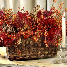 Autumn Harvest #fall #centerpiece #budgettravel #travel #diy #craft #holiday #holidays #Thanksgiving #winter #autumn www.budgettravel.com