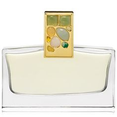 Estee Lauder Tuberose GardeniaThe fragrance composition is based on two flowers that Estee Lauder appreciated most, gardenia and tuberose, surrounded by orange flower, jasmine and white lily. In the top notes are neroli, lilac, and rosewood, and the base is composed of carnation and vanilla bourbon