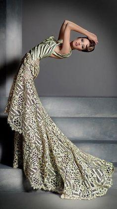 (Blanka Matragi Haute Couture 2012)
