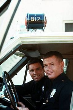 Adam-12: Kent McCord as Officer Jim Reed Martin Milner as Officer Pete Malloy
