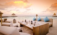 Jumeirah Vittaveli Resort, Maldives - Mu Beach Bar & Grill Restaurant