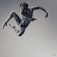 Oleg Markov, dancer Ballet Theatre of Boris Eifman – photography by Vadim Stein