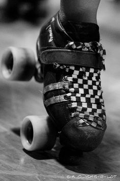 Nice laces. roller derbi, roller derby