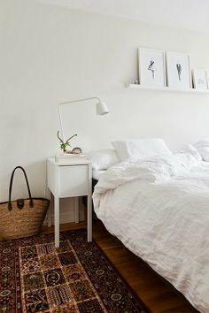 kilim in white bedroom