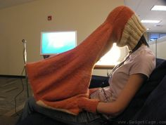 So Bizarre, Would You Use This? :: Private Laptop Viewer