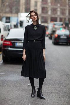 All black outfit / Street style fashion / fashion week #fashionweek #fashion #womensfashion #streetstyle #ootd #style / Pinterest: @fromluxewithlove