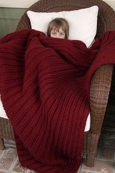 Ravelry: A Blanket For Seriously Cold People - free knitting pattern by Sylvia Bo Bilvia