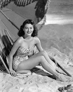 tendencias años 50 bikini