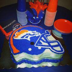 Denver Broncos cake By: Lluvia Aguilar
