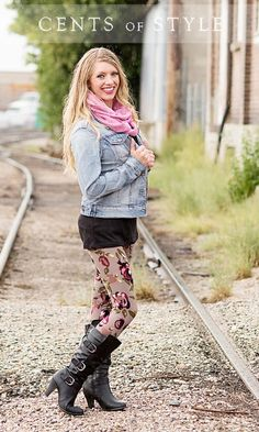 Fashion Friday Boot & Scarf Deal - $32.95 & FREE SHIPPING for BOTH!  Perfect gift for the upcoming holidays! This is a HOT deal!