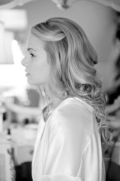 @Chrissa Elliott Mitchell @Emily Schoenfeld Mitchell easy and cute way to pin back fringe