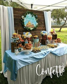 Winnie the Pooh theme baby shower table for baby Ricardo (Ricky) 💙. #kitcarsonpark #goingnewplaces #winniethepoohparty #winniethepooh…