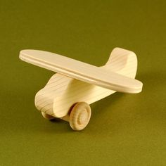 Airplane Party Favors - Package of 10 Wood Toy Airplanes
