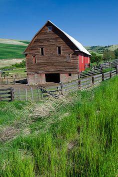 A barn on Kirk Road near Weston, Oregon