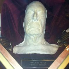 Vincent price's death mask.