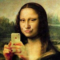 Mona Duck Face