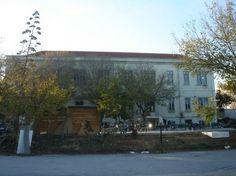Fàbrica Braço de Prata, A cultural factory at Lisbon. 4 exposition rooms, 2 bookstores, 3 shops, ...