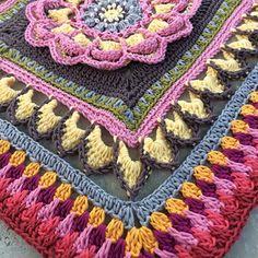 (US) Mandala Blanket Part 4 by Sabina Poonwassies
