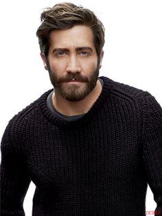 Jake Gyllenhaal, a gorgeous man always looks gorgeous, even with a beard!!