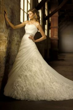 Essence of Australia, my wedding gown!!!!!!!!!! Can't wait till it comes in!!!!!!