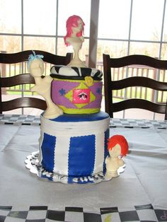 crazy wig party cake