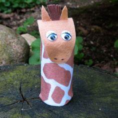 Cardboard Tube Giraffe by @amandaformaro