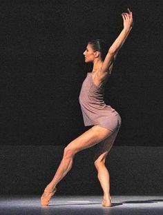 Alina Cojocaru ; Royal Ballet Wayne McGregor's Chroma