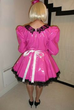 PVC Sissy Maid in shocking pink pvc