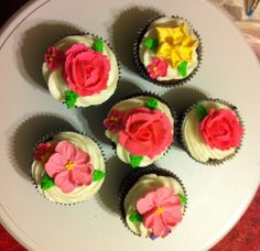 Royal icing flowers made during Wilton Method Course 2. #wiltoncontest  Joann's - Citrus Heights, CA