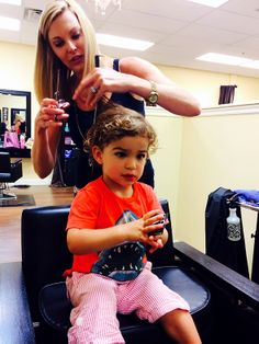 How to Prepare Your Toddler for His or Her First Haircut | MollySims.com