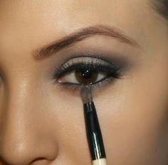 idea, eyebrow, kissabl complexion, red red, gray eye makeup, beauti, grey smokey, gray smokey eye, eyes