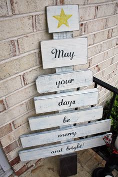 Scrap Wood Christmas Tree - Click image to find more DIY & Crafts Pinterest pins