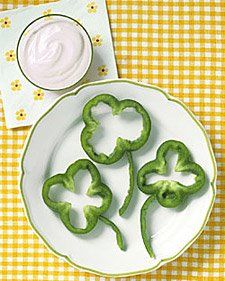 Green bell peppers for shamrocks...great idea!  #HealthySnacks More Fun St. Patricks Day Food Idea For Kids here via @DetroitMommyBloggers