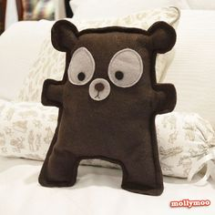Mister Brown Bear - craft tutorial and pattern | MollyMoo http://www.mollymoo.ie