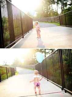 1st birthday photos: one balloon pic