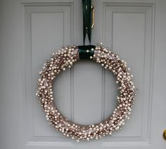 pearl wreath, christmas wreath, christmas diy