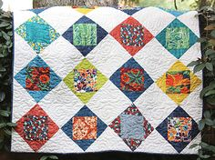 Swim, Bike, Quilt!: Tutorials/Patterns  Garden Window - I have some fat quarters that would work really well for this quilt.  Adding it to my quilt queue.