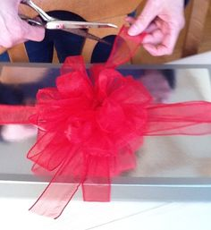 Make a decorative bow