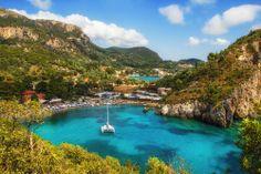 L'île de Corfou va vous enchanter. #royalcaribbean #royalcaribbeanf #croisiere #croisieres #navire #tourisme #vacances #corfou #mediterranee